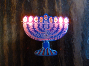 Menorah-pin