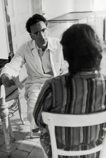 Frankl treating a patient at the Vienna Neurological Polyclinic
