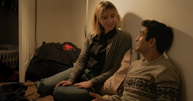 "Zoe Kazan and Kumail Nanjiani in ""The Big Sick"""